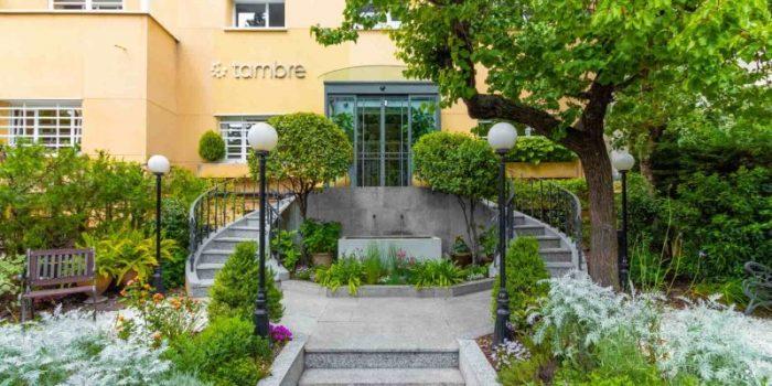 Clinica Tambre entrance