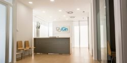 Reception at iGin clinic in Spain